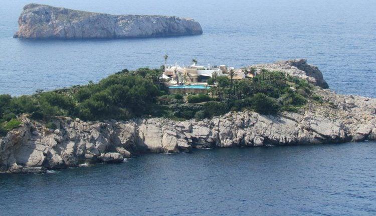 Isla de sa Ferradura, Mediterranean Sea off the coast of Ibiza, Spain