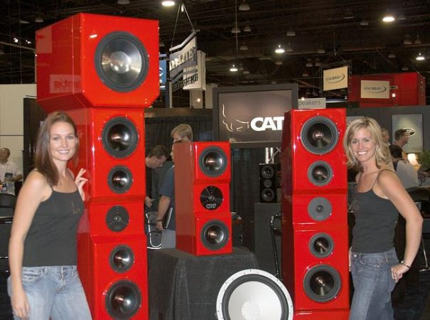 cedia-2006-photo-46-cat-speakers