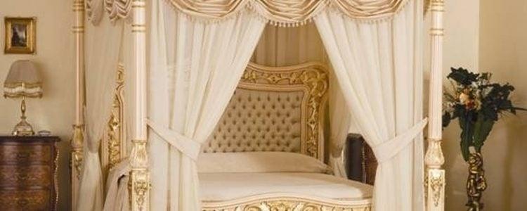 Baldacchino Supreme Bed