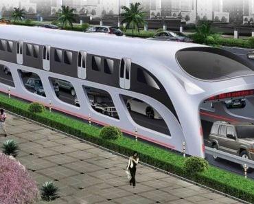 Chinese Bus of the Future Drives Directly Over Traffic Jams