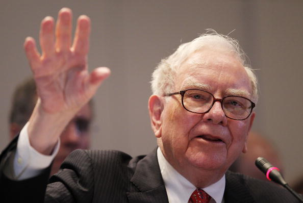 Warren Buffett Testifies At Financial Crisis Inquiry Commission Hearing
