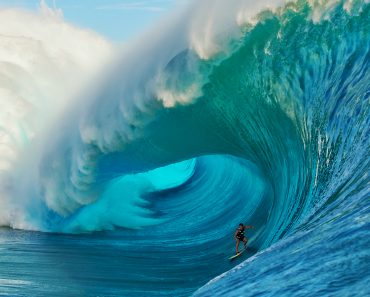The Top 10 Big Wave Beaches to Surf in The World