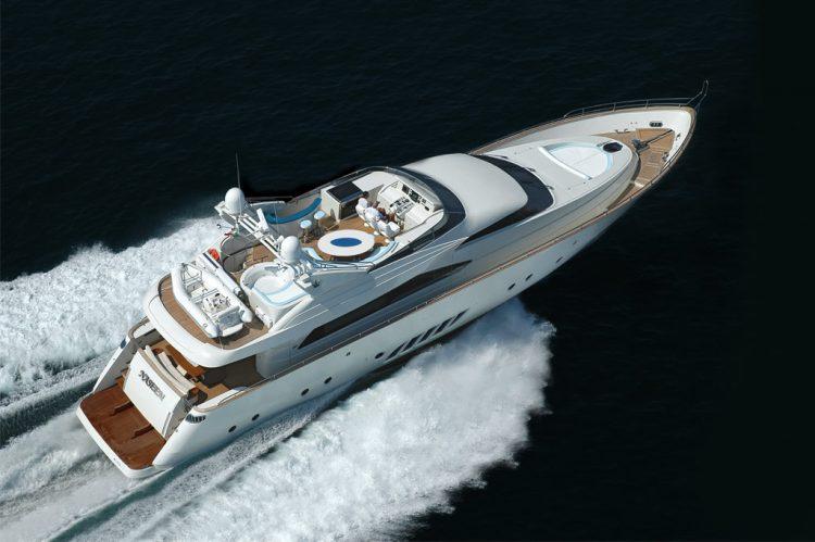 Dominator 860 Motor Yacht