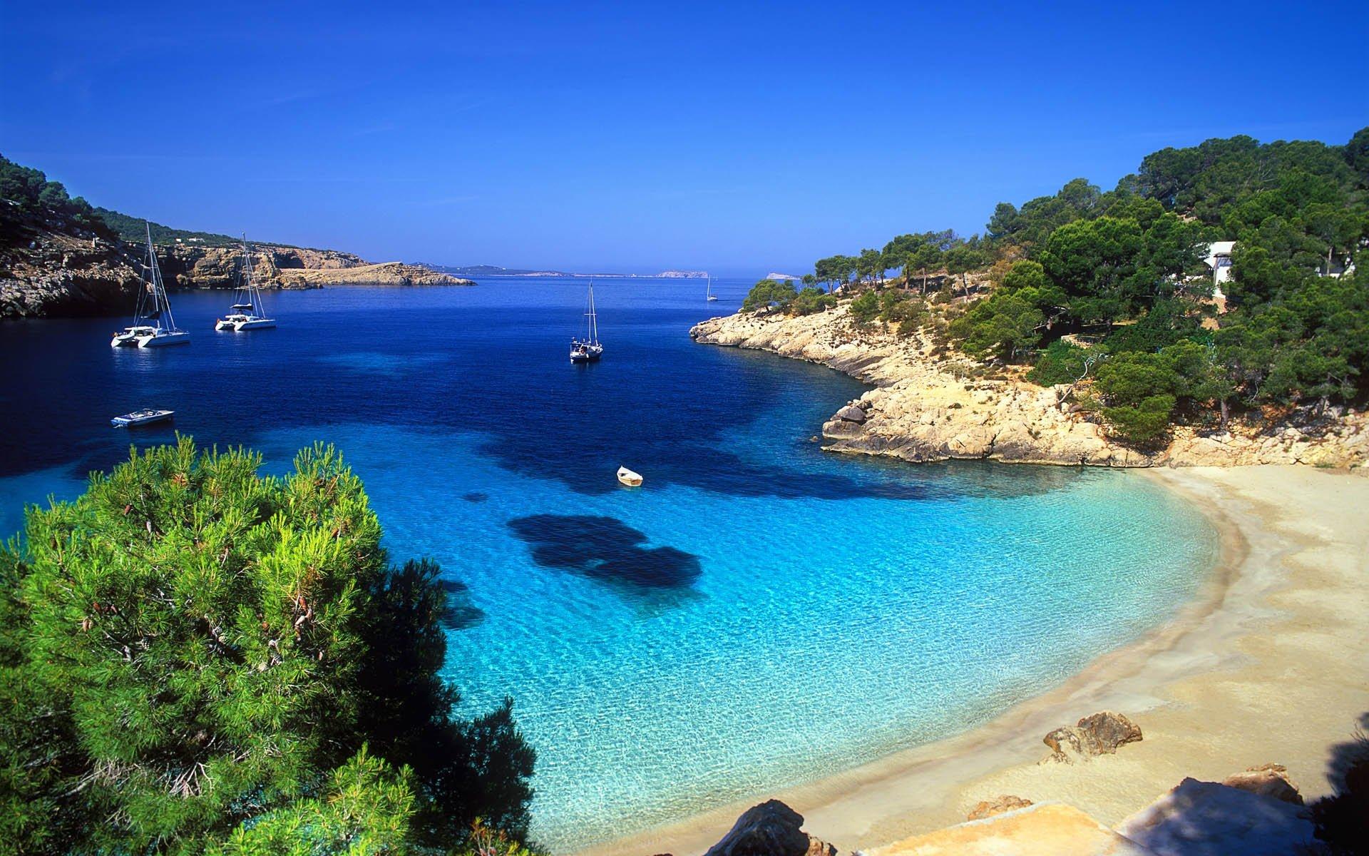 Dive Deep in Mallorca