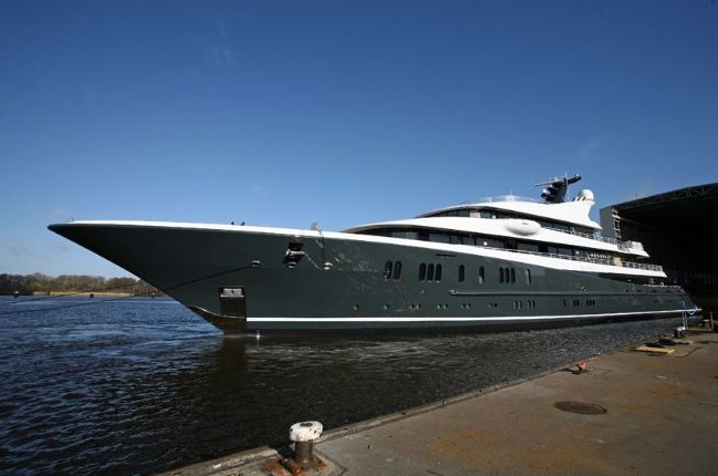 Phoenix 2 superyacht by Lurssen