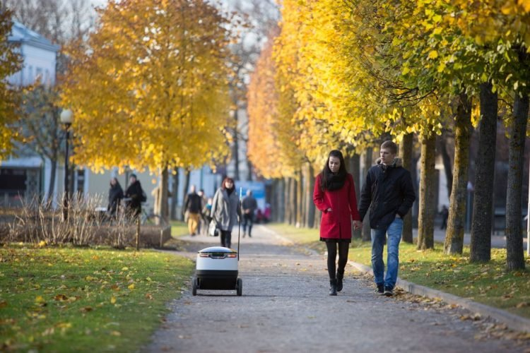 delivery-starship-robot-2