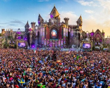 How to Experience Tomorrowland Festival in Style