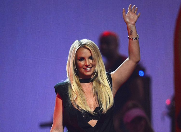 iHeartRadio Music Festival - Day 2 - Show