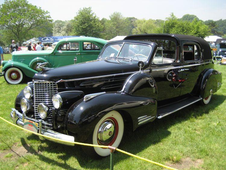 1940 Cadillac Series 90 V16