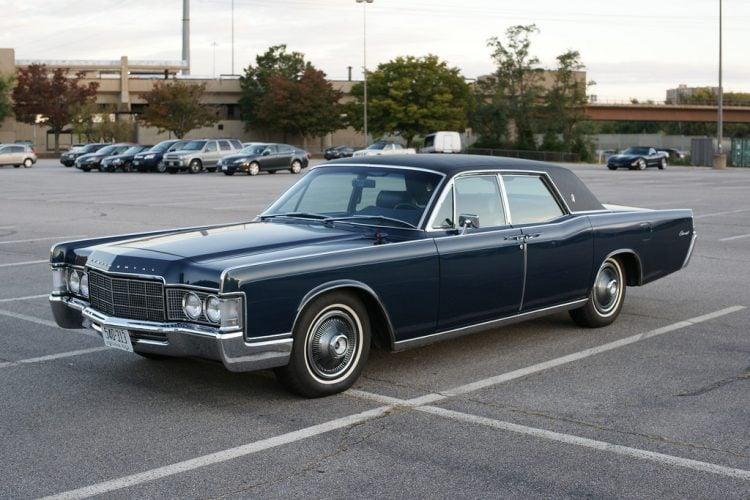 1969 Lincoln Continental Sedan