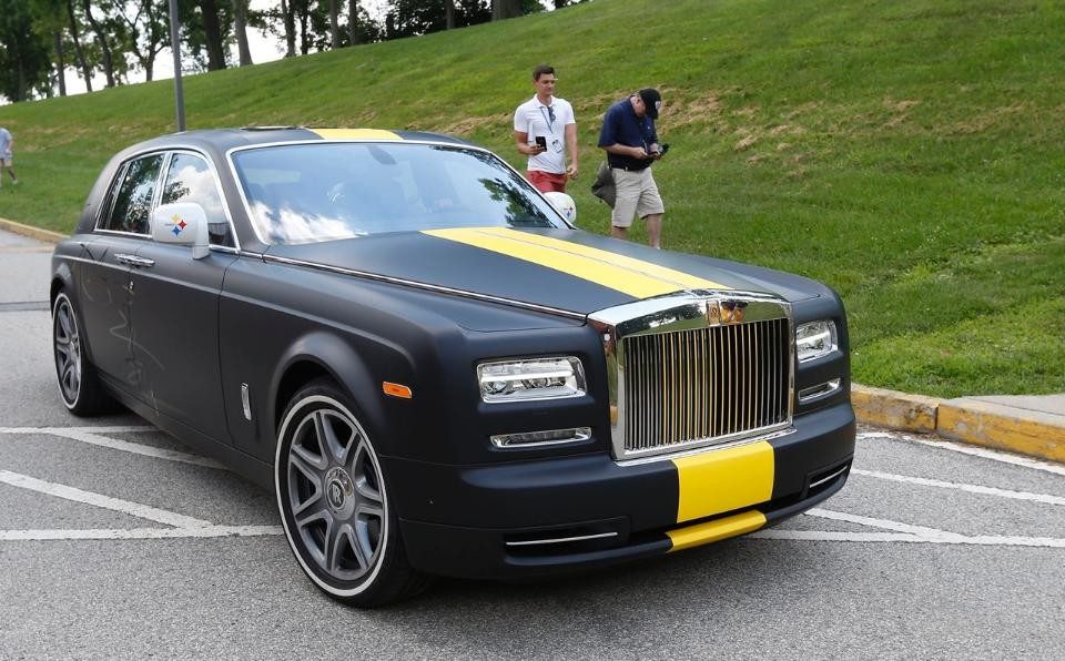 10 nfl players who arrived to training camp in sweet rides for Rolls royce motor cars tampa bay