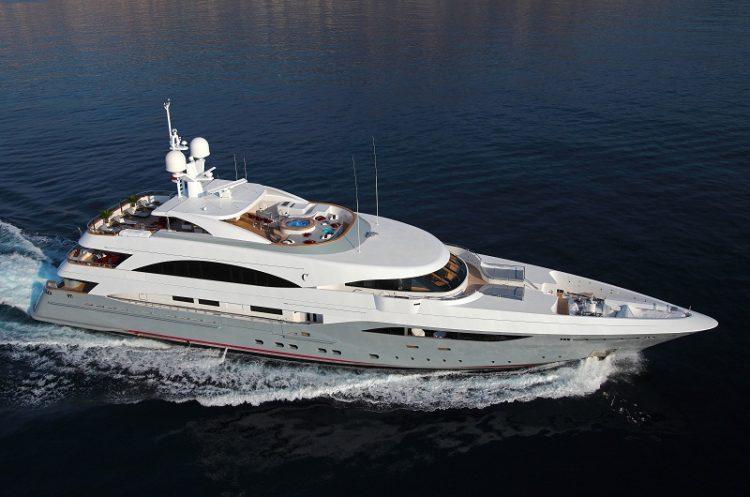 Columbus Yachts Prima
