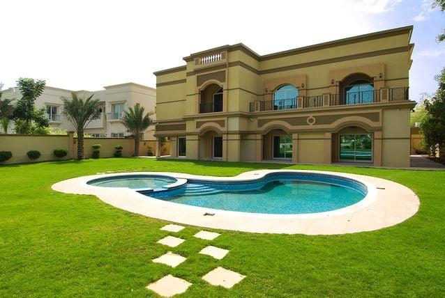 Emirates_hills_2