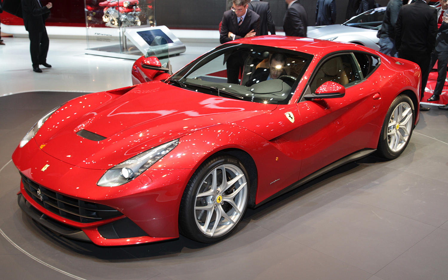 the history and evolution of the ferrari f12 berlinetta. Black Bedroom Furniture Sets. Home Design Ideas