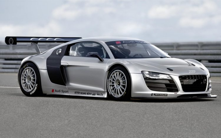 audi-r8-lms-front-three-quiarters