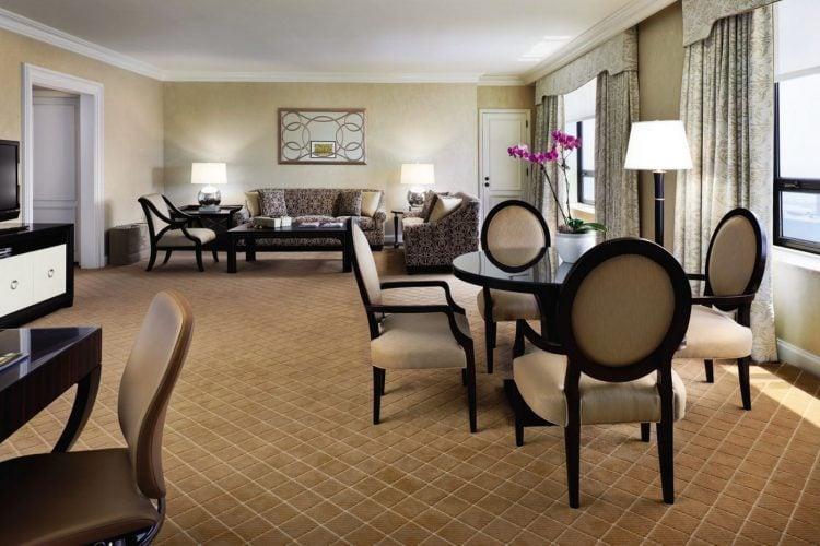 ritz-carlton-chicago-presidential-suite-living-room