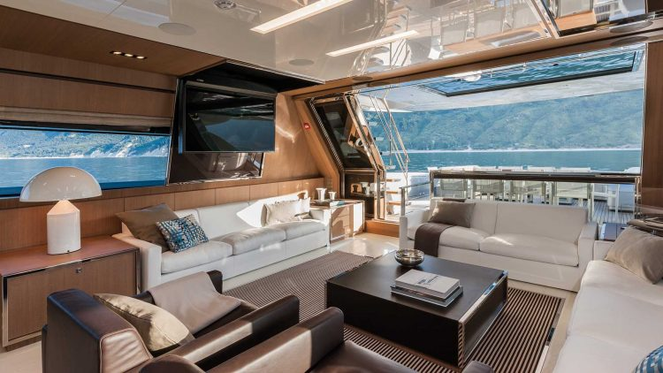 riva-mythos-interior