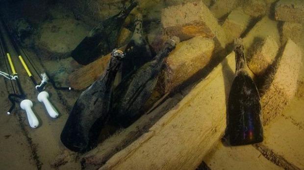 shipwrecked-champagne