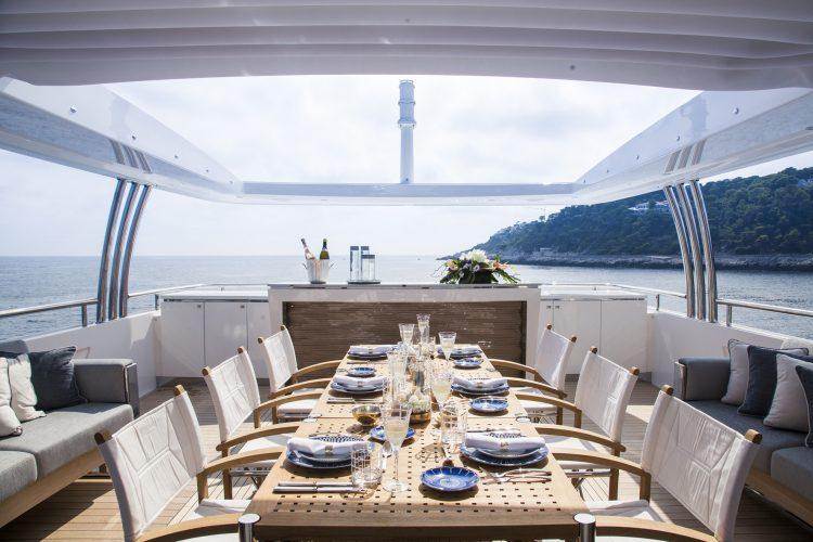 solaris-yacht-charter