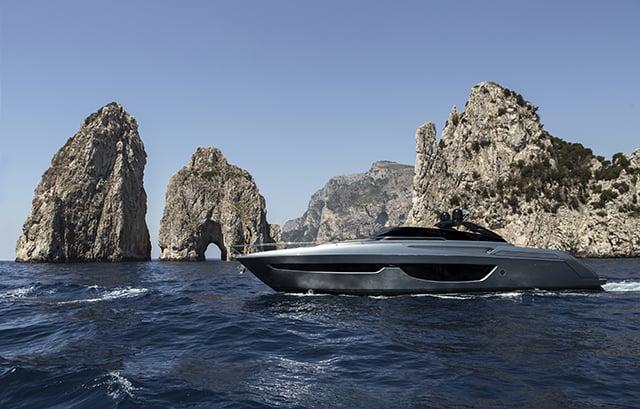 riva-76-bahamas-luxury-boat1