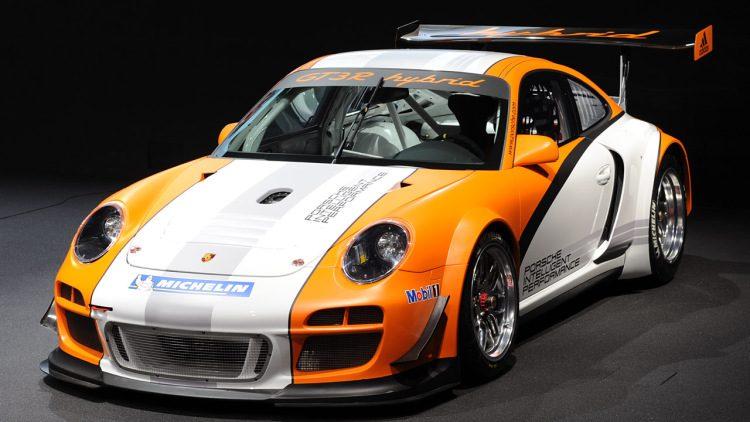 2010-911-gt3-r-hybrid