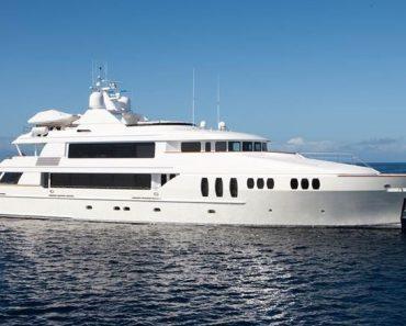 A Closer Look at Luxury Motor Yacht Carpe Diem II