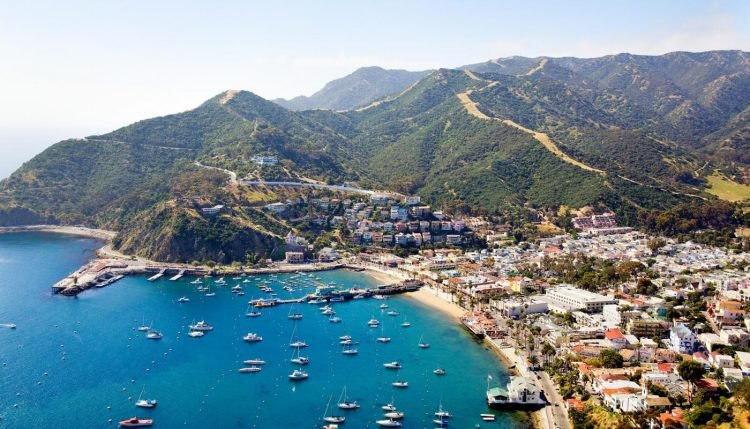 Located Just 22 Miles Off The Coast Of Southern California Santa Catalina Island Is Resort For Hollywood Elite Rocky Home To
