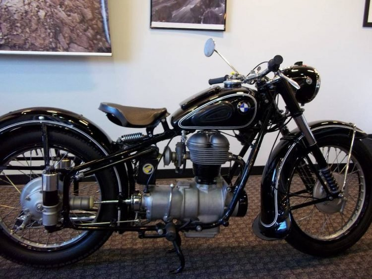 Five Vintage BMW Motorcycles We Really Love