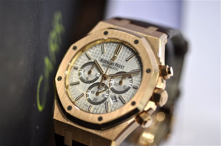 e660f15b808d3 Audemars Piguet Royal Oak Chronograph  Timeless Design
