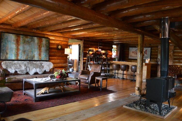 riversong-lodge-yentna-river-at-lake-creek-alaska