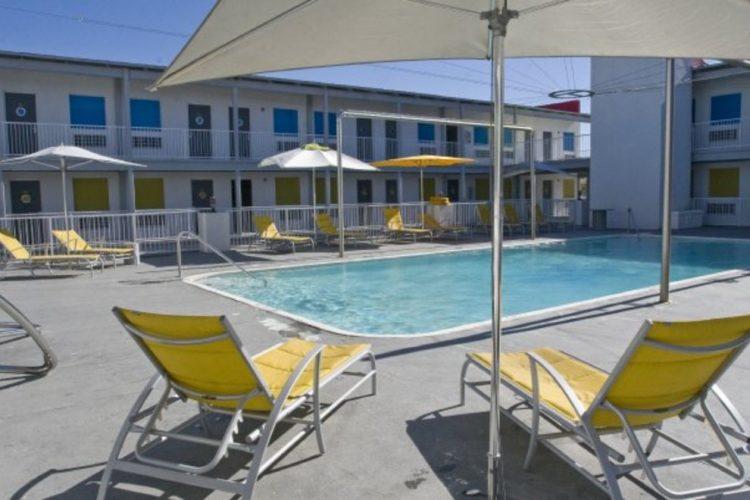 sea-and-breeze-hotel