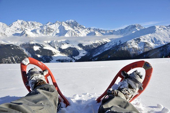 snowshoeing-in-switzerland