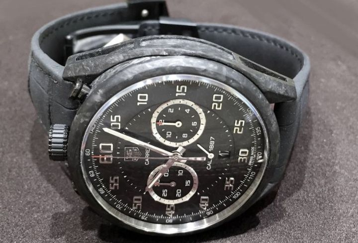 tag-heuer-carrera-calibre-1887-automatic-chronograph-carbon