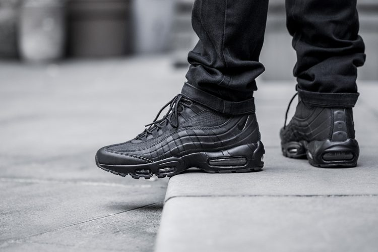 nike-air-max-95-sneakerboot-black-zip-5
