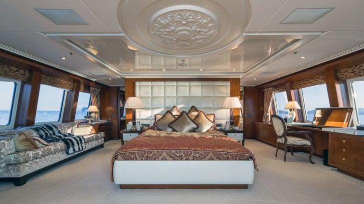 ariadna-from-heesen-yachts-2