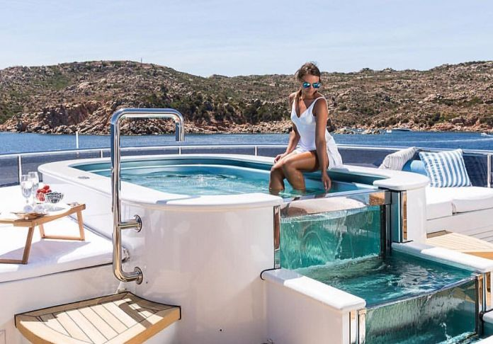 ariadna-from-heesen-yachts-3