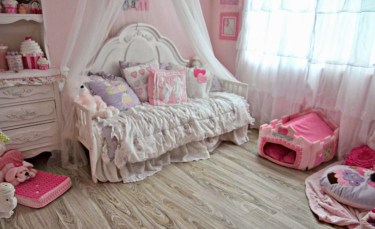 At First Glance When You See This Room, Youu0027ll Probably Think It Was Made  For A Little Girl And Not A Dog. It Was Actually Made For Four Small Dogs  By An ...