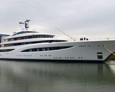 A Closer Look at Feadship Superyacht Vertigo