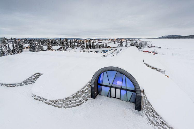 ice-hotel-011216-1106-02