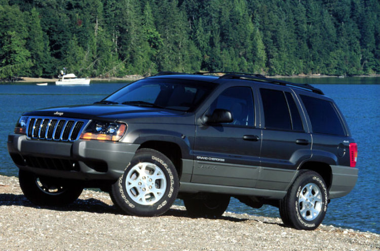After The Tremendous Success Of 1998 Grand Cherokee Jeep Decided To Diversify With 1999 Model Messing A Winning Formula Was Quite Tricky