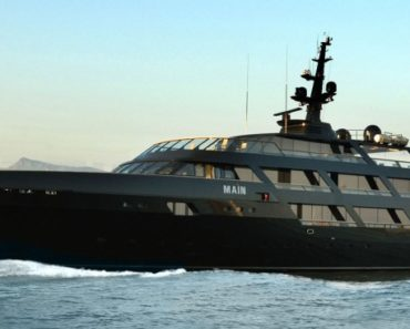 "A Closer Look at Giorgio Armani's Yacht ""Main"""