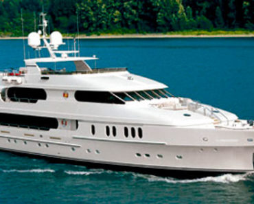"""A Closer Look at Tiger Woods' Yacht """"Privacy"""""""