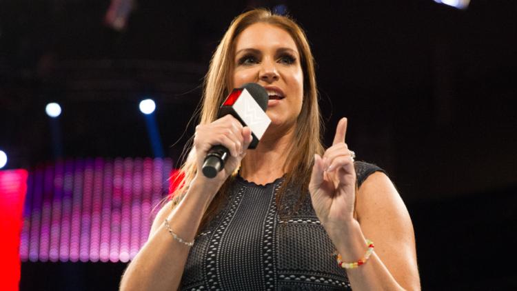 Stephanie McMahon bio .Los 20 luchadores profesionales más ricos del mundo 2021