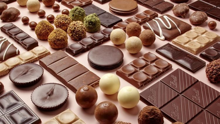 Small Cake Chocolates