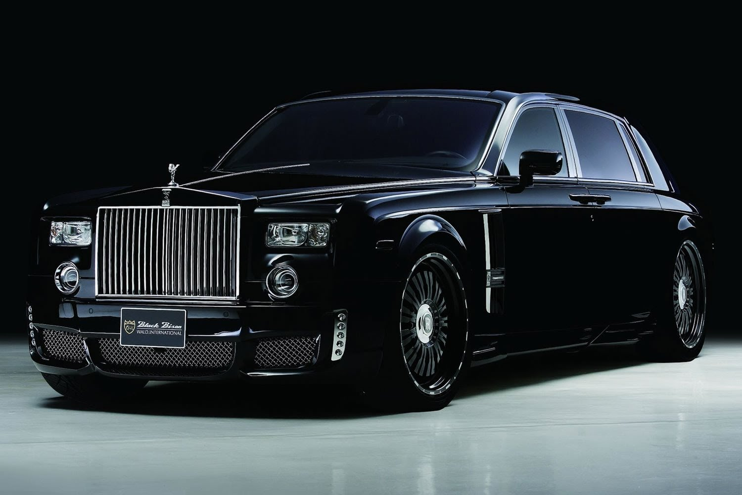 the new rolls royce phantom viii. Black Bedroom Furniture Sets. Home Design Ideas