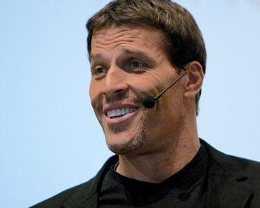 How Tony Robbins Achieved a Net Worth of $500 Million