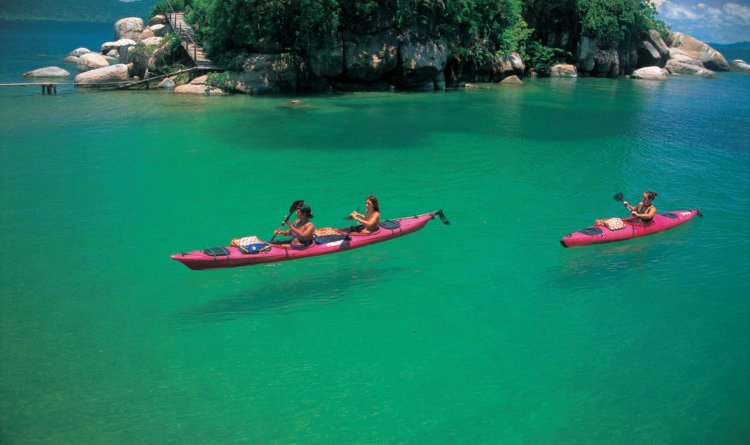 Lake Malawi Malawi e1513173288510 Top 20 Must See Attractions Destinations in Africa