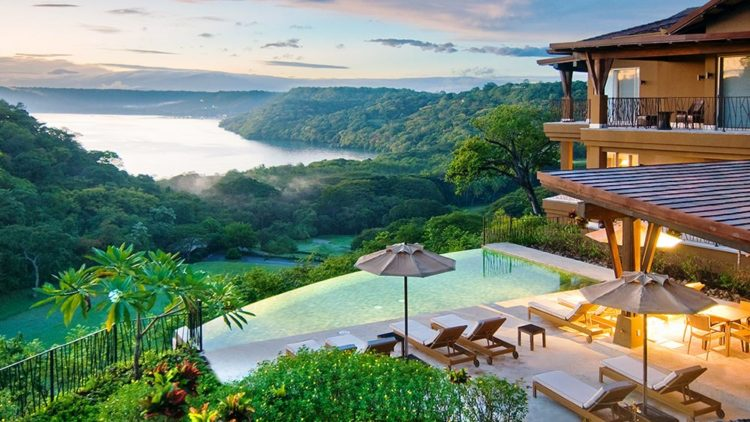The Four Seasons Papao Is One Of Jaw Dropping Luxury Hotels In Costa Rica And It Recently Got A 35 Million Renovation S Built On Small Strip