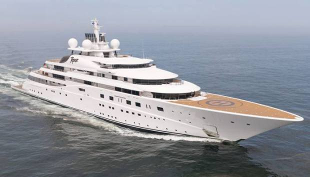 Super yacht Topaz