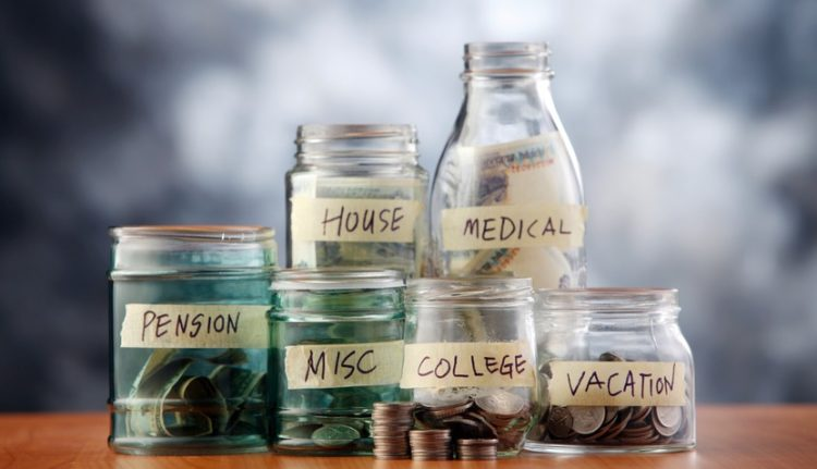 what are the types of savings accounts that banks offer